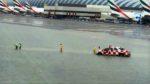 ドバイ国際空港が大雨で冠水し、欠航便が発生するなど大きな影響