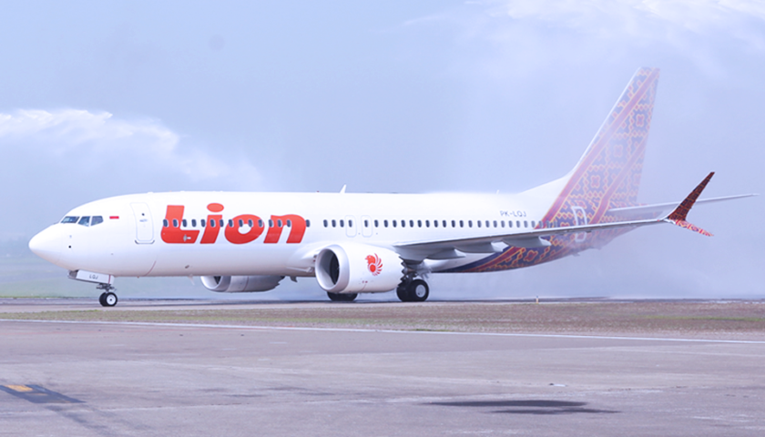 墜落 フィリピン 飛行機