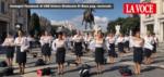 元アリタリア航空従業員が、制服姿から下着姿になってITAエアウェイズに抗議【動画】